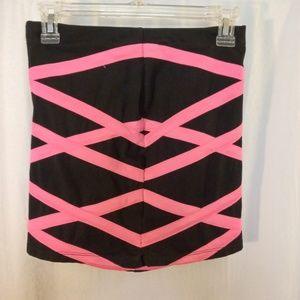 🌵FOREVER 21 Pink and black Mini Skirt Sz S